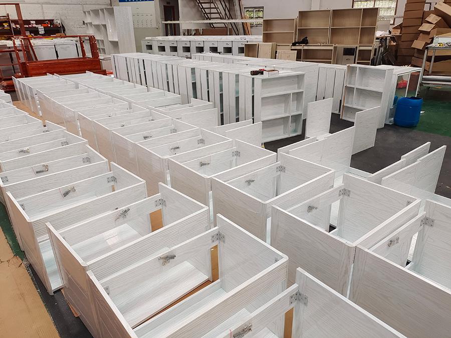 全铝浴室柜出口工程单走一批