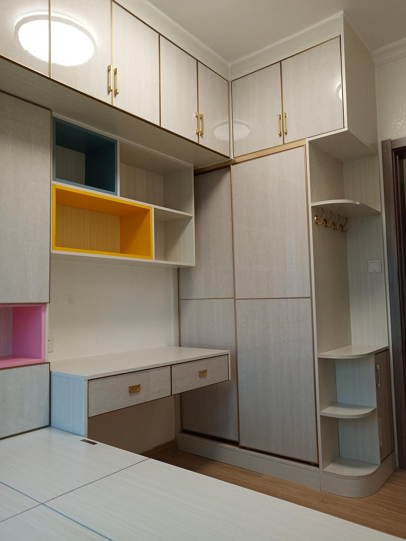 这套4房2厅的现代极简小清新风全铝家具才是80/90后的理想型!