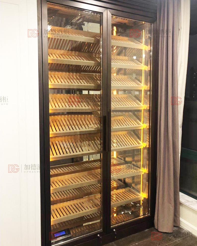 拉丝青古铜嵌入式雪茄柜